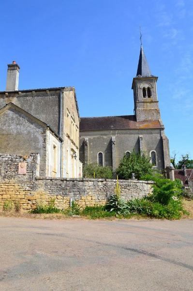 Arthel (Nièvre) L'église Saint Laurent
