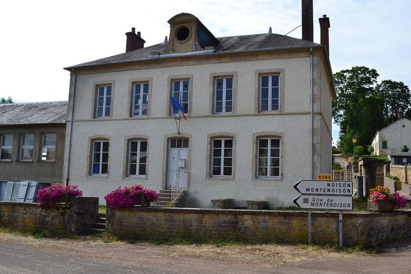 Arthel (Nièvre) La Mairie