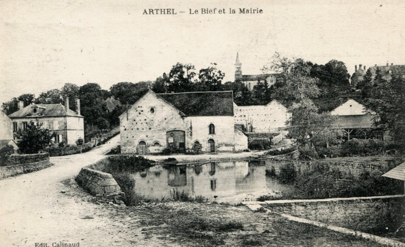 Arthel (Nièvre) Le bief CPA