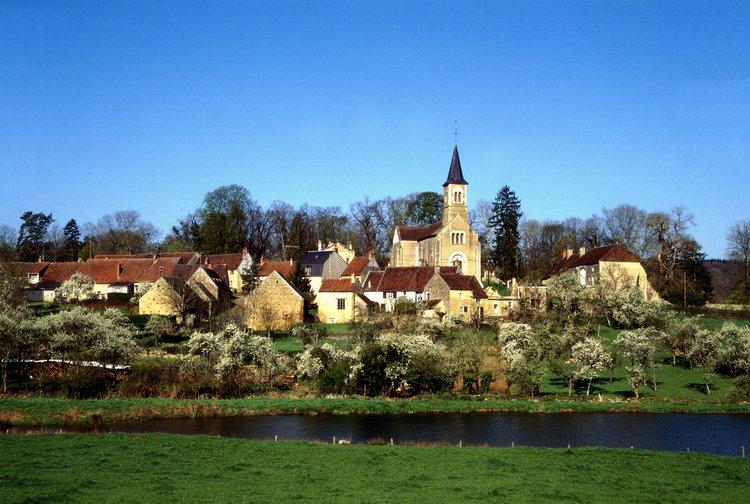 Arthel (Nièvre) Le village