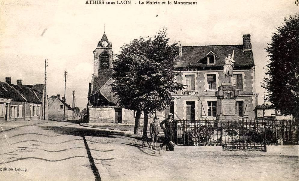 Athies-sous-Laon (Aisne) CPA église Saint Quentin et mairie