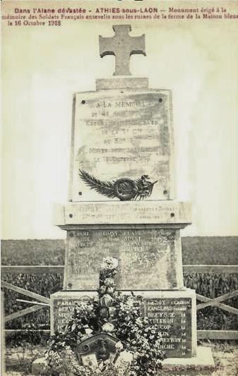 Athies-sous-Laon (Aisne) CPA monument aux morts