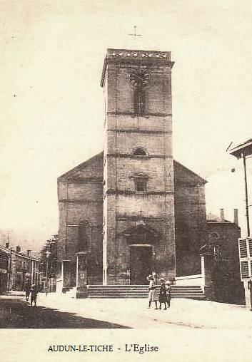 Audun-le-Tiche (Moselle) L'église Saint-François d'Assise CPA
