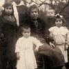 Augustine Isabelle Saillard et ses enfants en 1918