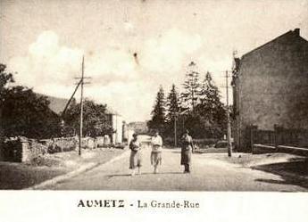 Aumetz (Moselle) La Grande rue CPA