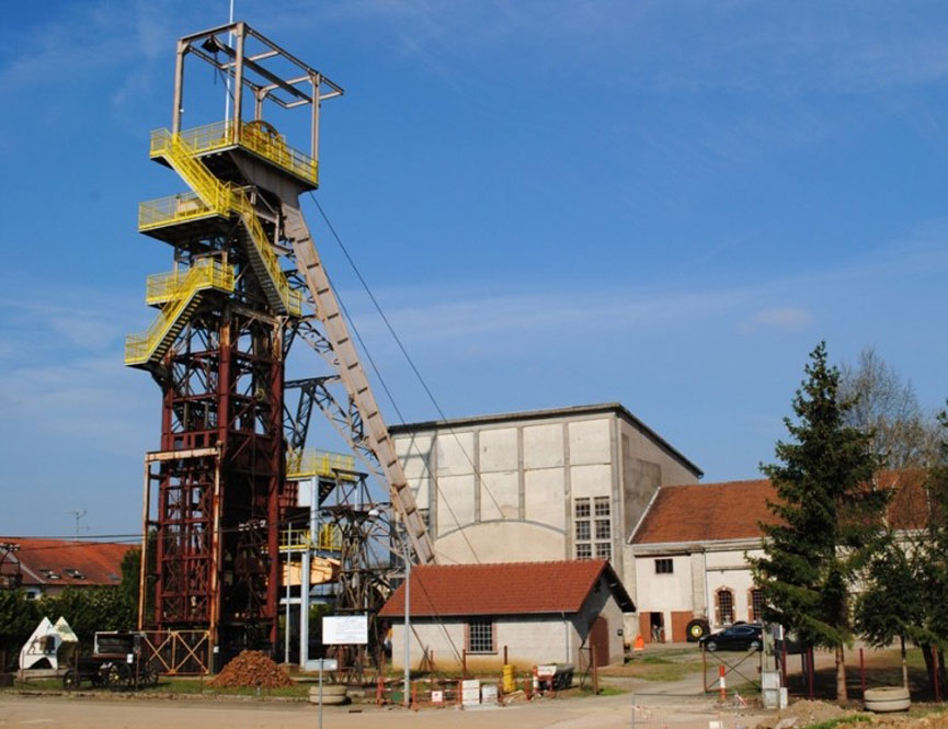 Aumetz (Moselle) Le chevalement de la mine