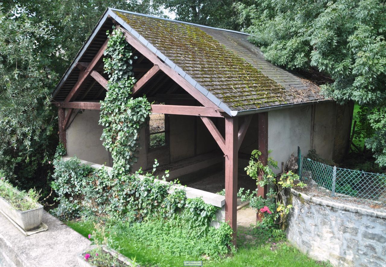 Aunay-en-Bazois (Nièvre) Un lavoir