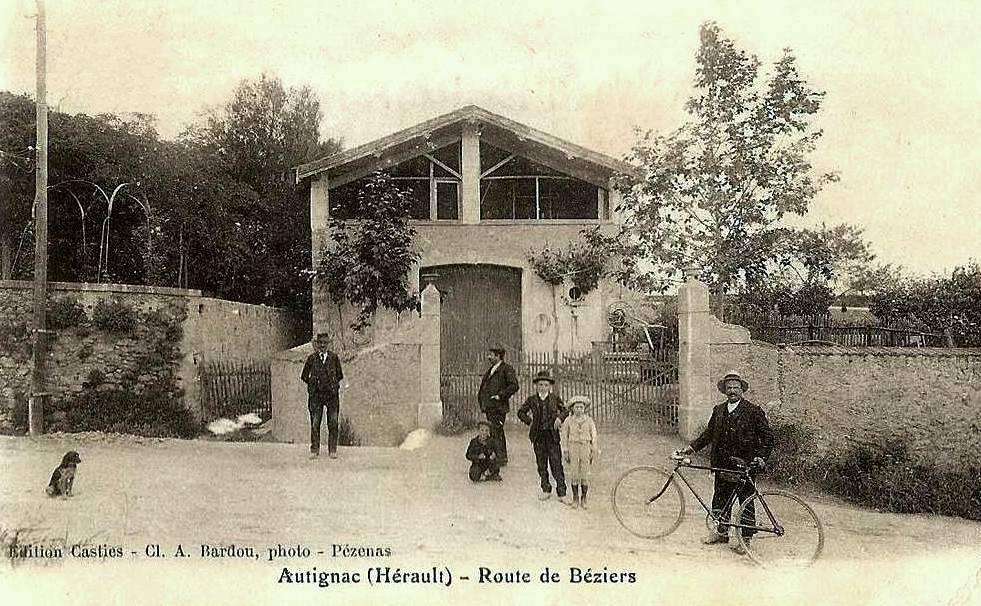 Autignac (Hérault) CPA L'avenue de Béziers