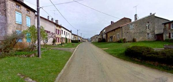 Autréville-Saint-Lambert (Meuse) la rue principale