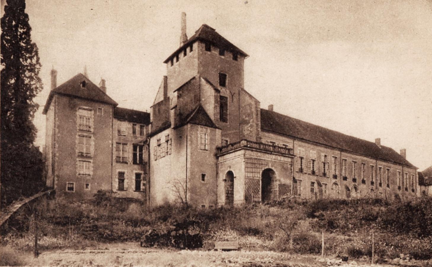 Autun (Saône-et-Loire) L'évêché CPA