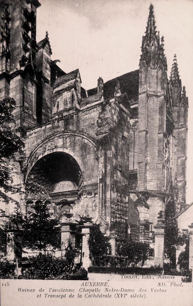 Auxerre (89) La Chapelle Notre-Dame des Vertus, ruines CPA