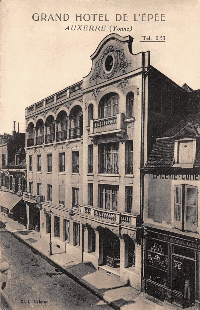 Auxerre (89) Le Grand Hôtel de l'Epée CPA
