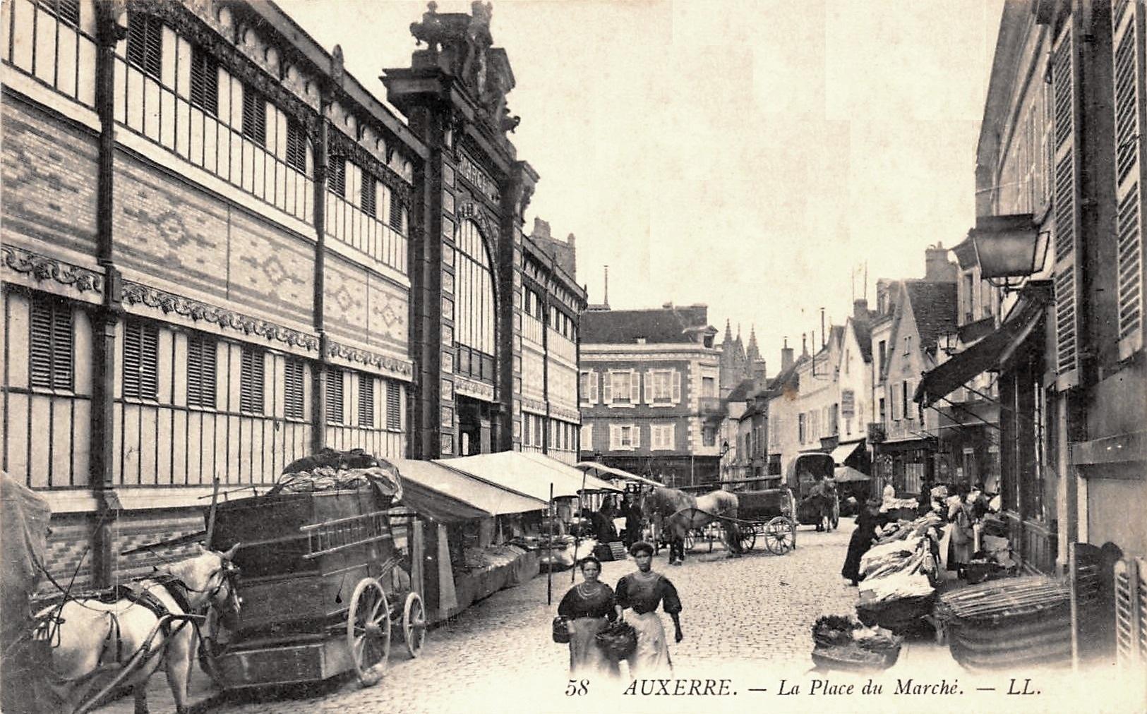 Auxerre (89) Le Marché Couvert CPA