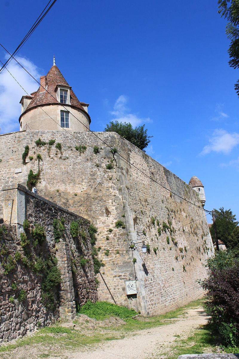 Avallon (89) La tour Beurdelaine