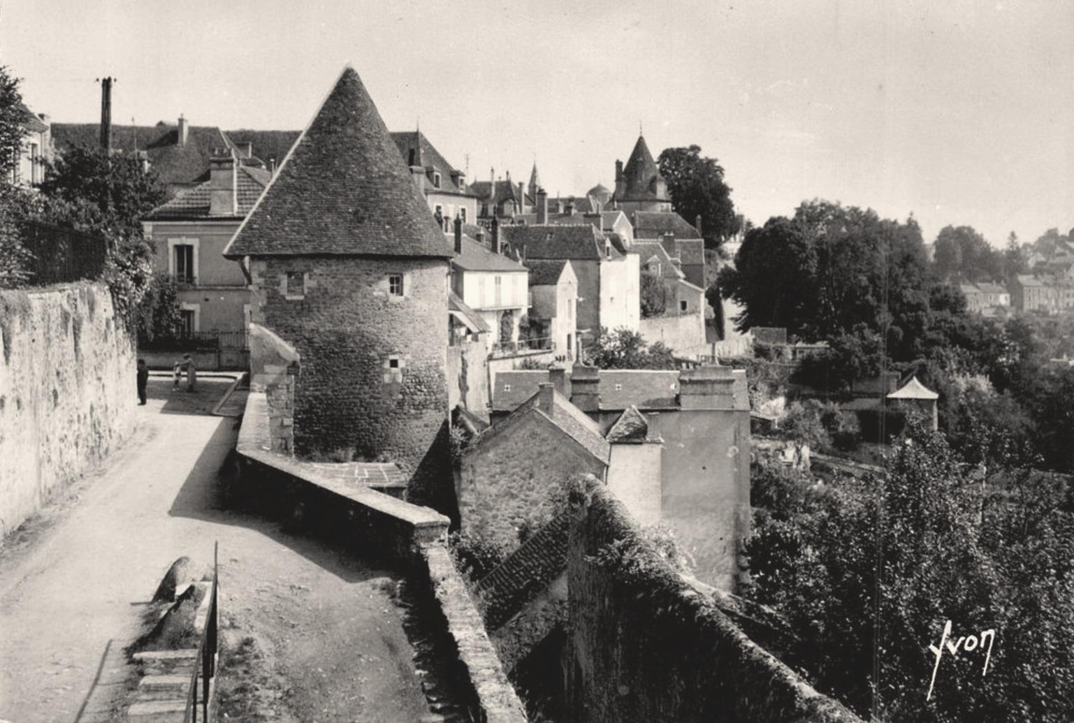 Avallon (89) La tour de l'Escharguet CPA