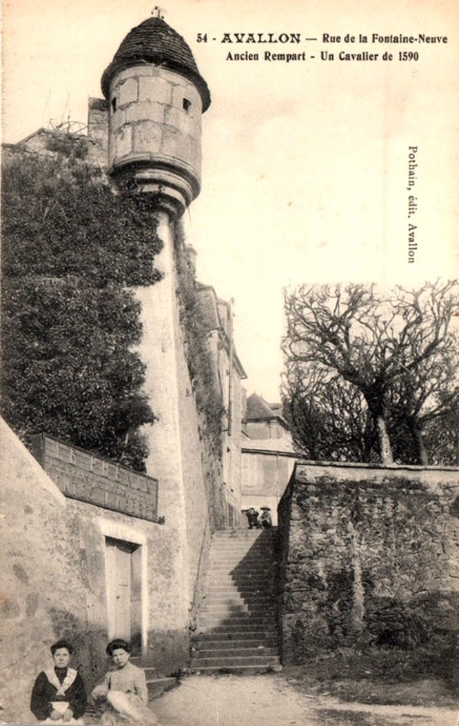 Avallon (89) Les remparts CPA