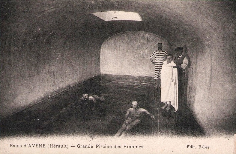 Avène (Hérault) La piscine des hommes CPA