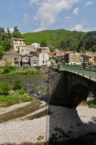 Avène (Hérault) Le pont