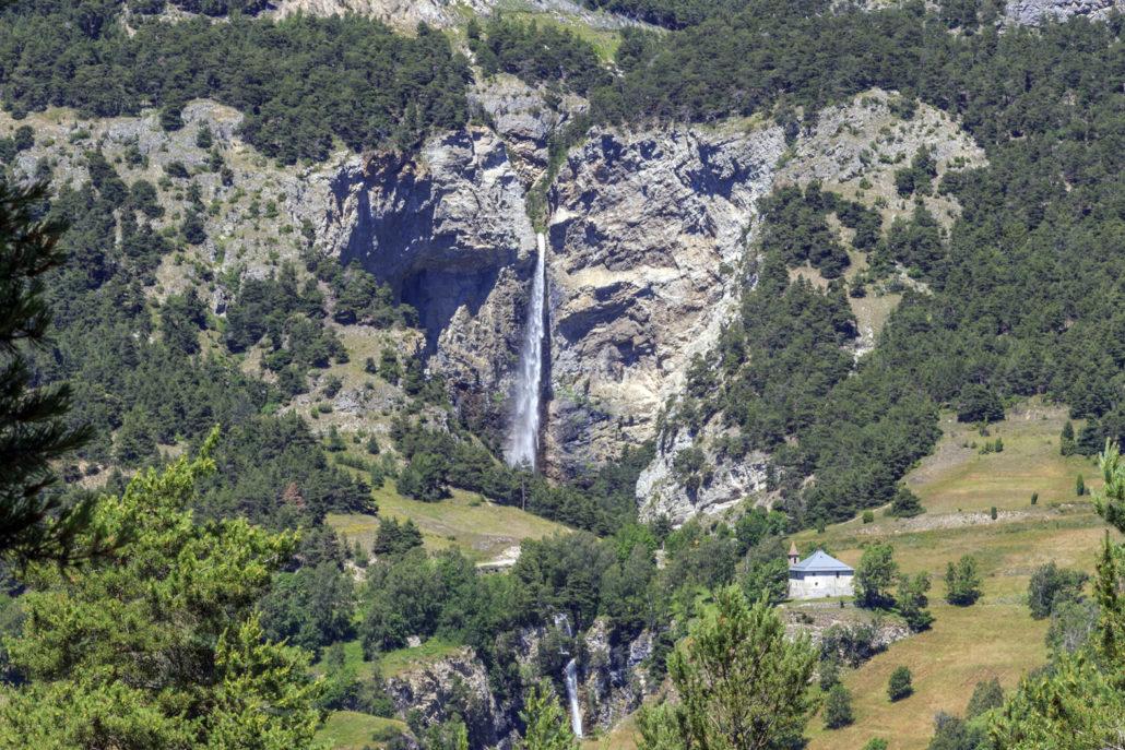 Avrieux (Savoie) La cascade Saint-Benoît
