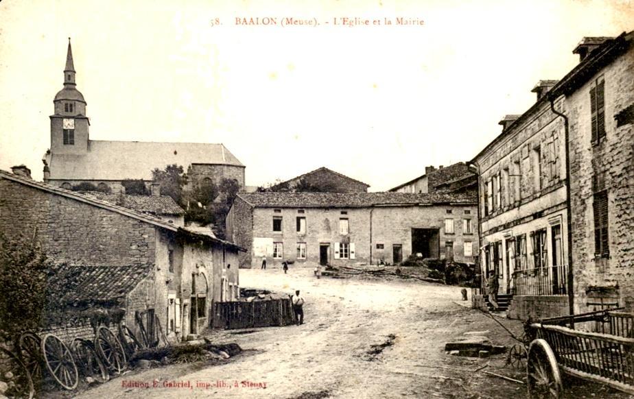 Baâlon (Meuse) L'église et la mairie CPA