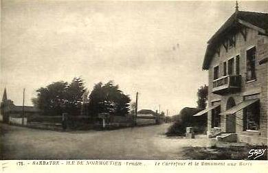Barbâtre (Vendée) Carrefour et monument aux morts CPA