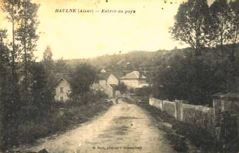 Baulne-en-Brie (Aisne) CPA L'entrée du village