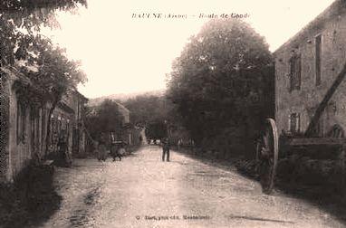 Baulne-en-Brie (Aisne) CPA La route de Condé