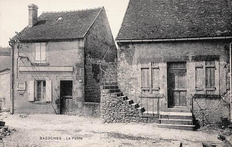 Bazoches (Nièvre) Le bureau de poste