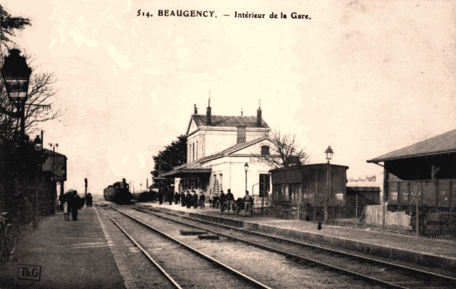 Beaugency (45) Gare, les voies CPA