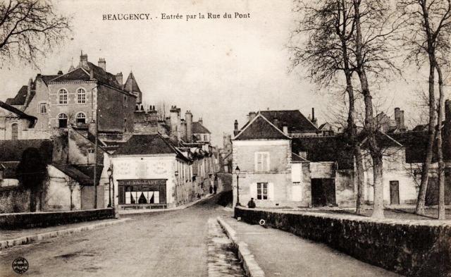 Beaugency (45) Rue du Pont CPA