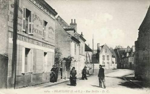 Beaulieu-lès-Loches (37) Rue Brûlée CPA