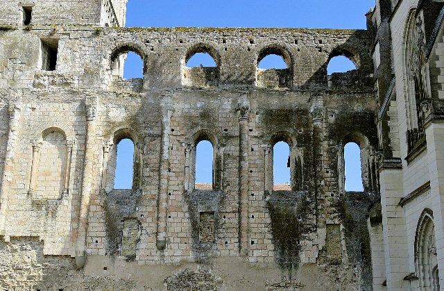 Beaulieu-lès-Loches (37) Ruines de l'Abbaye de la Trinité