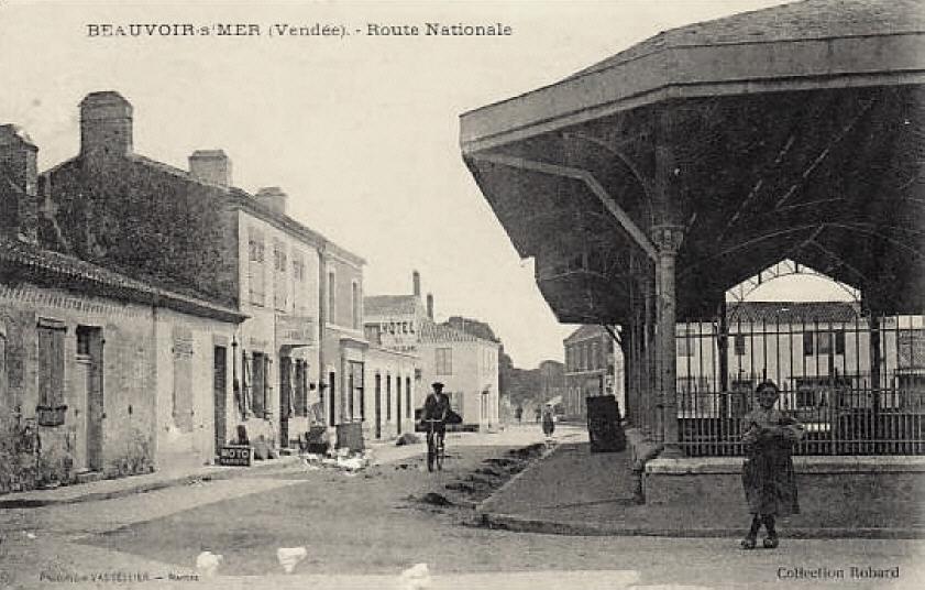 Beauvoir-sur-Mer (Vendée) Halles CPA2