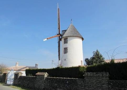 Beauvoir-sur-Mer (Vendée) Moulin du Saint-Esprit