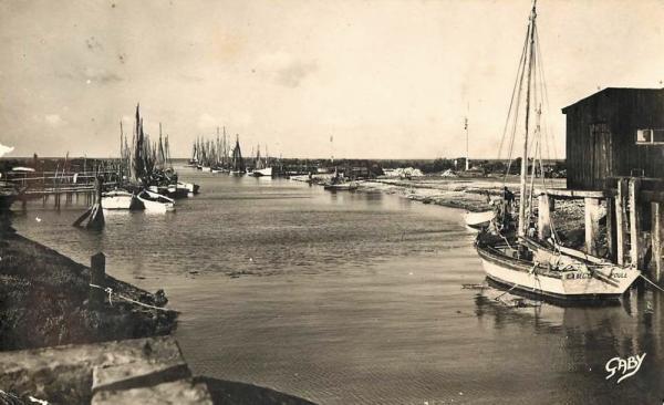 Beauvoir-sur-Mer (Vendée) Port du Bec CPA