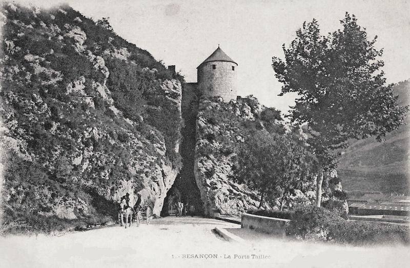 Besançon (Doubs) La porte taillée en 1900 CPA