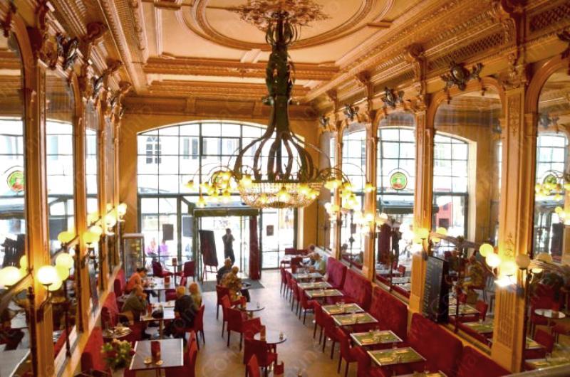 Besançon (Doubs) Le Café du Commerce, intérieur
