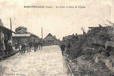 Bouconville-Vauclair (Aisne) CPA Place de l'église, la poste