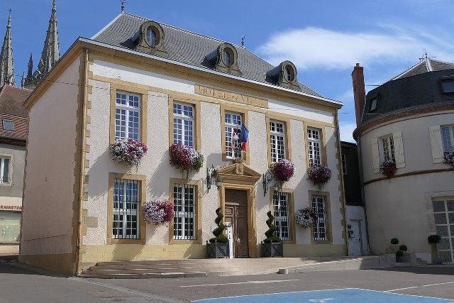 Bourbon-Lancy (Saône-et-Loire) La mairie