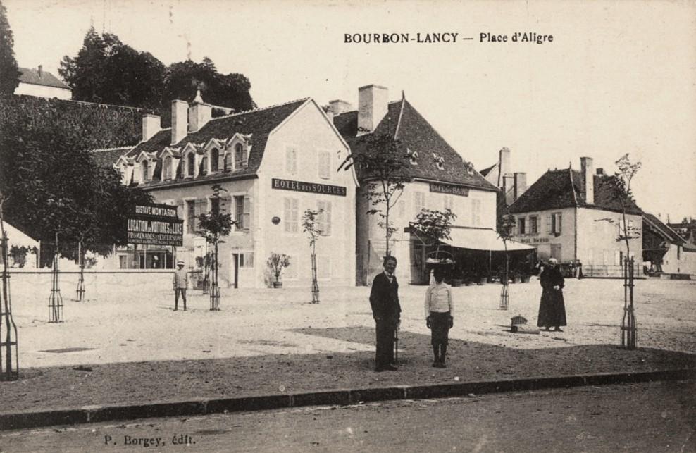Bourbon-Lancy (Saône-et-Loire) La place d'Aligre CPA
