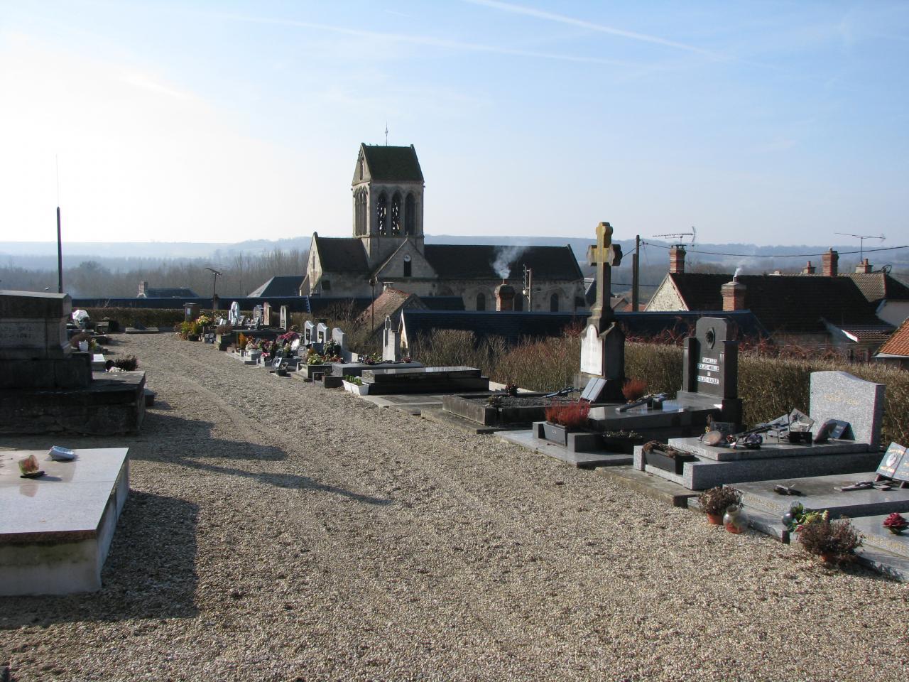 Bourg-et-Comin (Aisne) cimetière en 2009