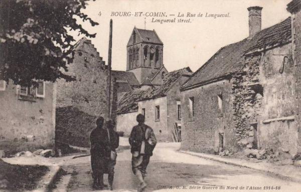 Bourg-et-Comin (Aisne) CPA Eglise et rue de Longueval