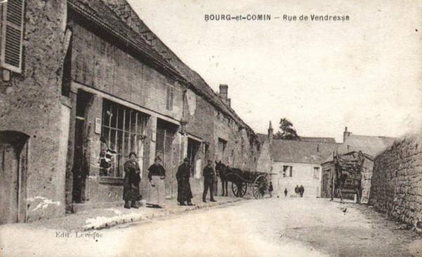 Bourg-et-Comin (Aisne) CPA Rue de Vendresse