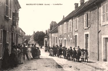 Bourg-et-Comin (Aisne) CPA Grande rue