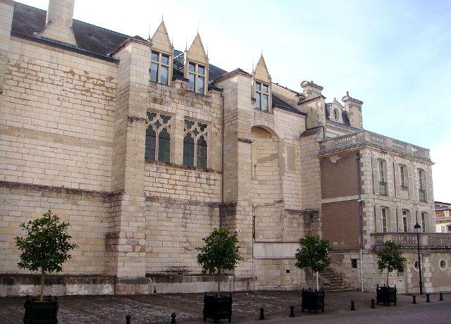 Bourges (18) La Préfecture, ancien palais du duc de Berry