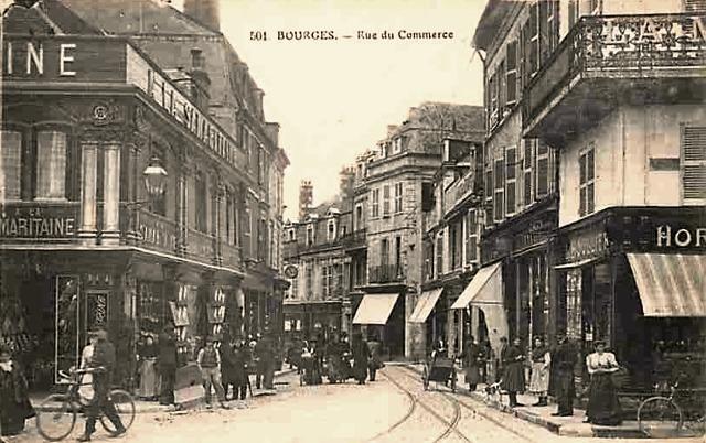 Bourges (18) La rue du Commerce CPA