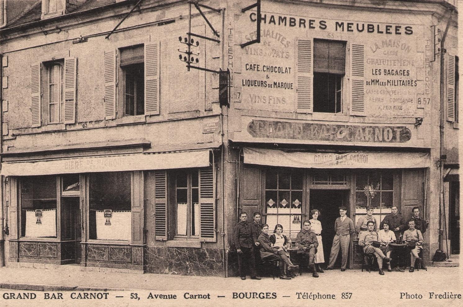 Bourges (18) Le café Carnot CPA