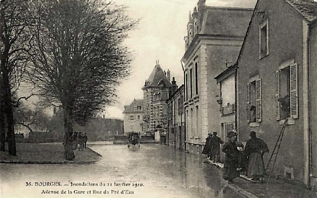 Bourges (18) Les inondations de 1910 CPA
