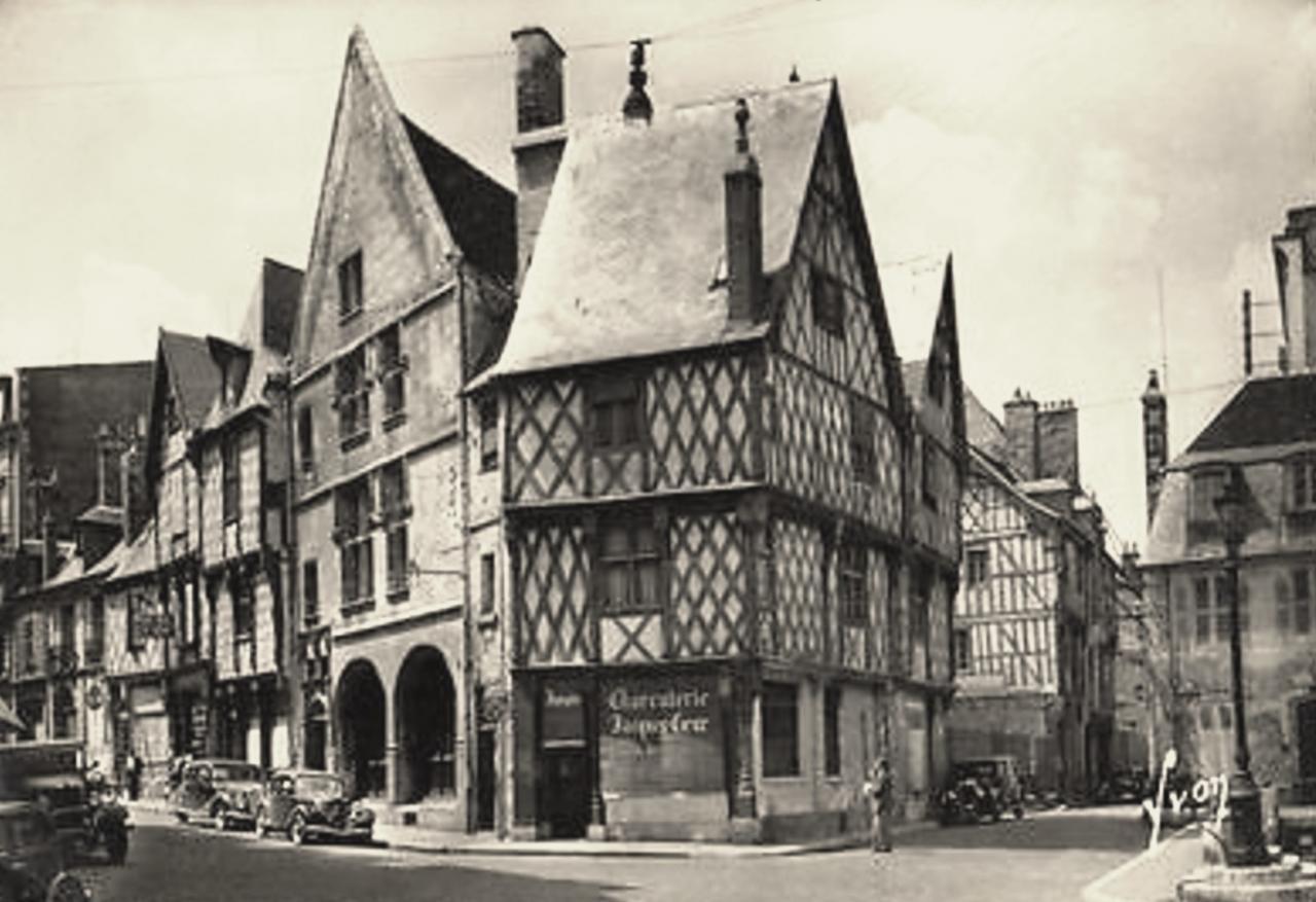 Bourges (Cher) Vieilles maisons à pans de bois CPA