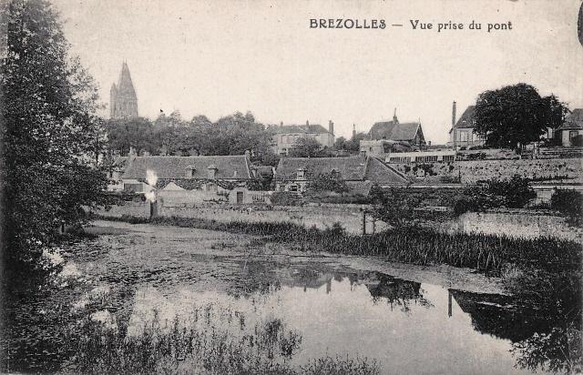 Brézolles (28) Vue sur le village CPA